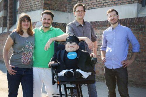 Martin Habacher in der Mitte. Rechts und Links das Filmteam.